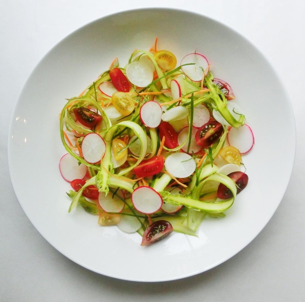 salata sparanghel si ridichii