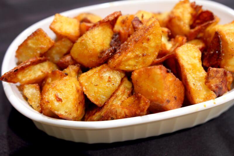 cartofi la cuptor cu boia